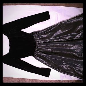 Jessica McClintock black velvet/tulle evening gown